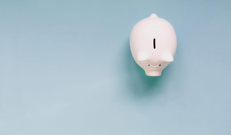 Financial-mistakes-piggy-bank