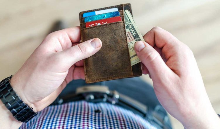 Should College Students Have an Emergency Credit Card?